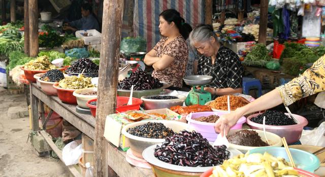 Ky Lua market