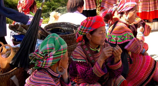 Il Mercato Etnico di Muong Khuong