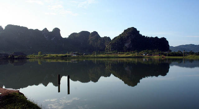 Vieng Xai lake