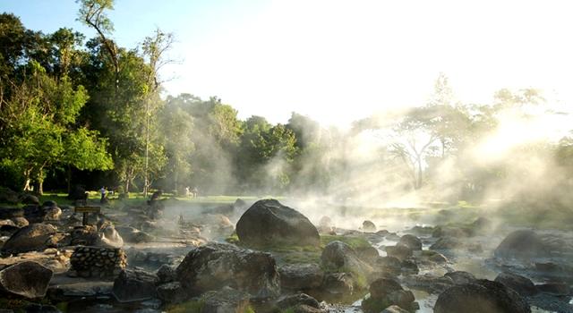 Fare il bagno nelle sorgenti d'acqua calda