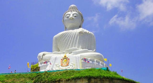 La statua di Grand Buddha