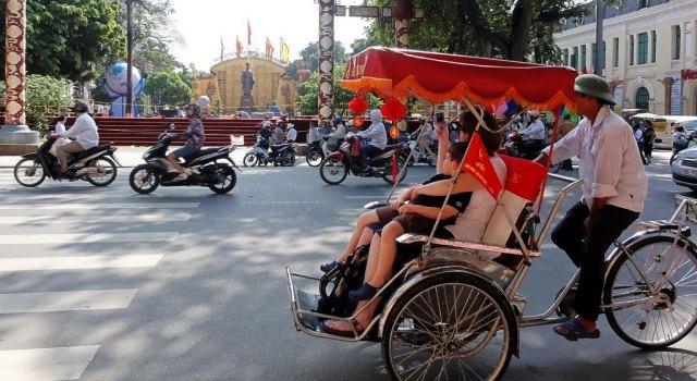 Resultado de imagen de paseo en triciclo hanoi