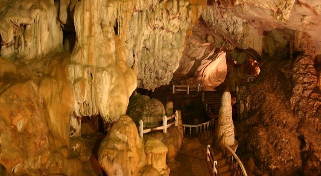 Grotte di Tham Jang