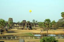 """Angkor en """"ballon captif"""""""