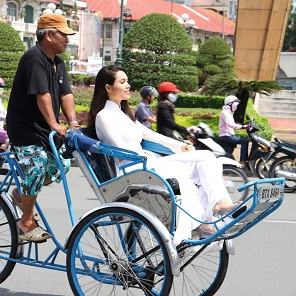 Saigon cyclo tour