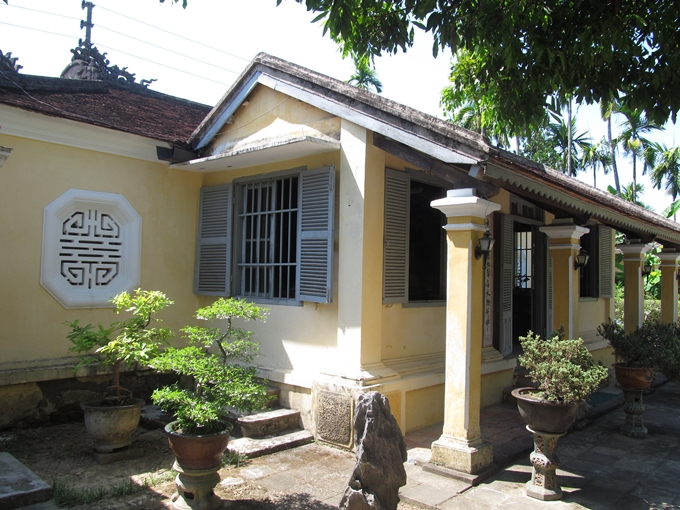 visit-to-Mr-Phan-Thuan-An-ancient-house