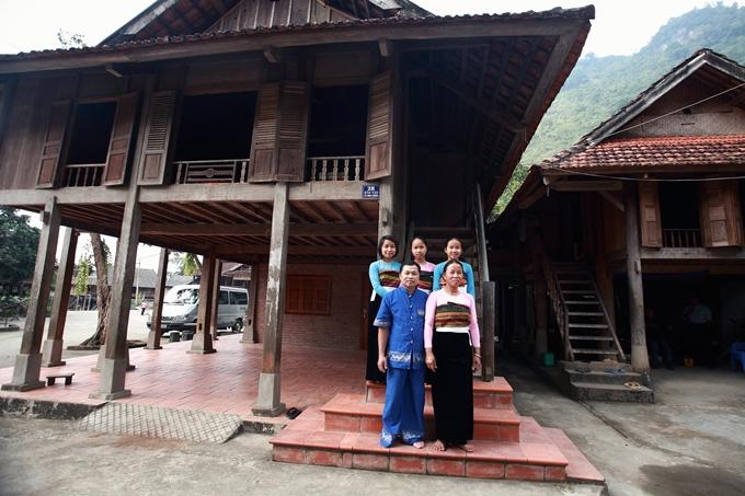Overnight at Mr. Cuong's stilt house in Mai Chau