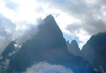 Erklimmen Sie das Dach Indochinas - Fansipan Gipfel