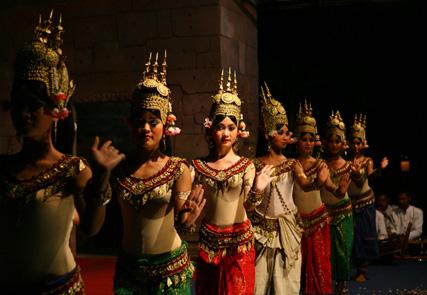 Total Vietnam et Angkor Wat