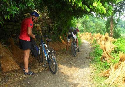 Hanoi Mai Chau Tam Coc Biking