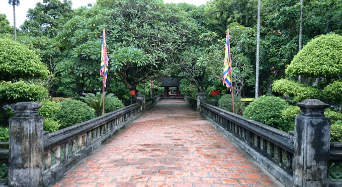 Zwei alte Tempel in Hoa Lu - Ninh Binh, der den Königen der Dinh- und Le Dynastie geweiht sind