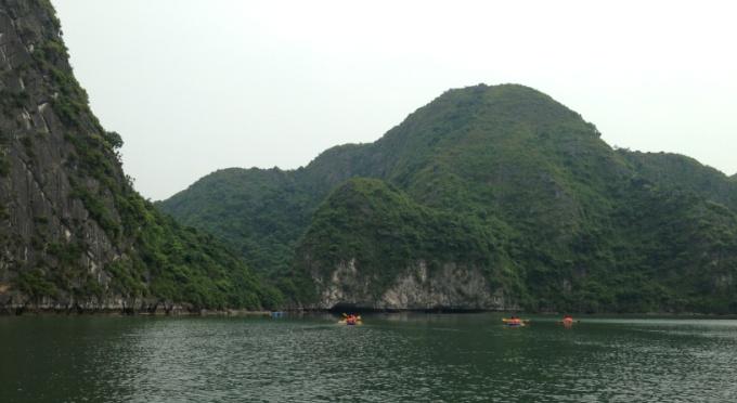 Typische Landschaft in der Halong-Bucht