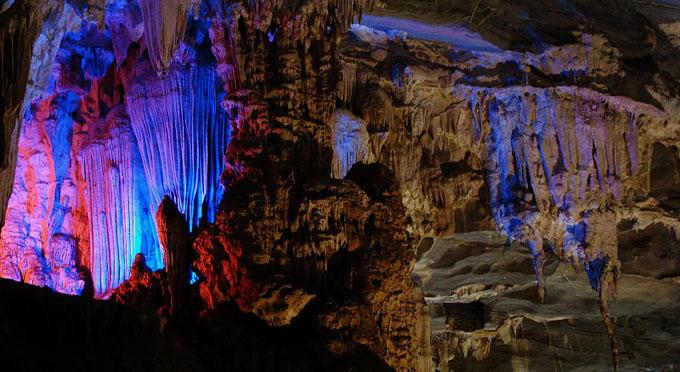 Besichtigung der Phong Nha Höhle im Phong Nha - Ke Bang Nationalpark