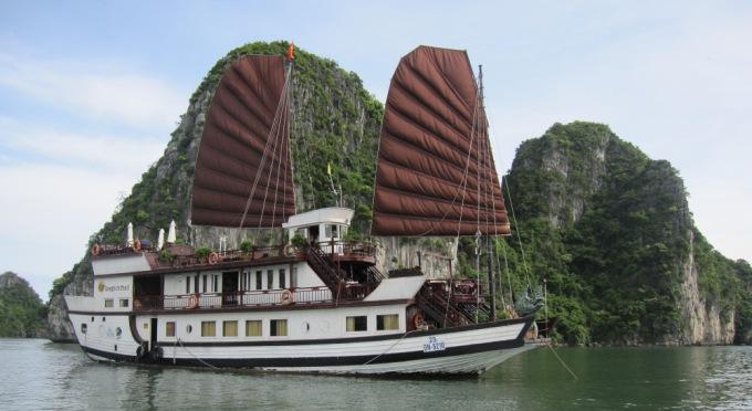 Schöne Erfahrung mit der Kreuzfahrt in der Halong Bucht