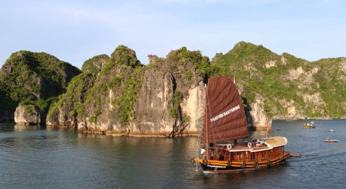 Kreuzfahrt in der Halong Bucht