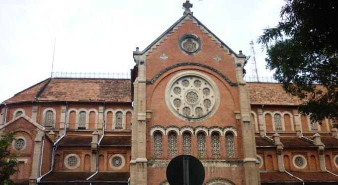 Notre-Dame-Kathedrale im Saigon Stadtzentrum